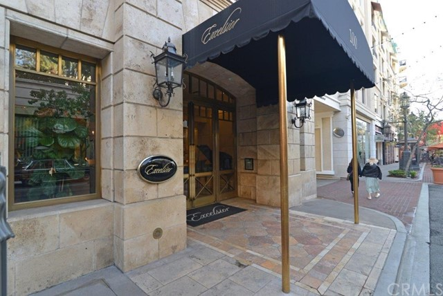 Condominium for Rent at 405 Caruso Avenue Glendale, California 91210 United States