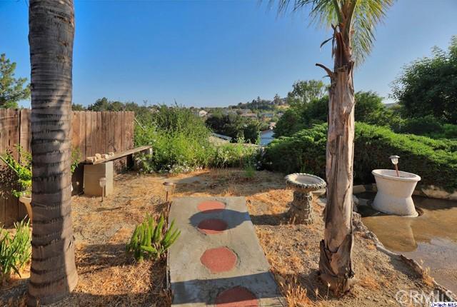 17622 Arvida Drive, Granada Hills CA: http://media.crmls.org/medias/5b77bc07-ff35-47f4-a0f1-a2942e03e3a8.jpg