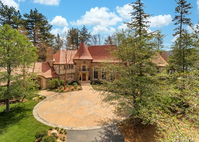 Single Family Home for Sale at 1000 Robin Hood Lane Lake Arrowhead, 92352 United States