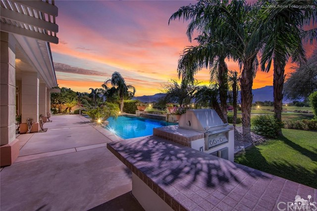 5 Via Bella, Rancho Mirage CA: http://media.crmls.org/medias/5b7b1d94-31c3-4fe0-98e9-630d00be81ec.jpg
