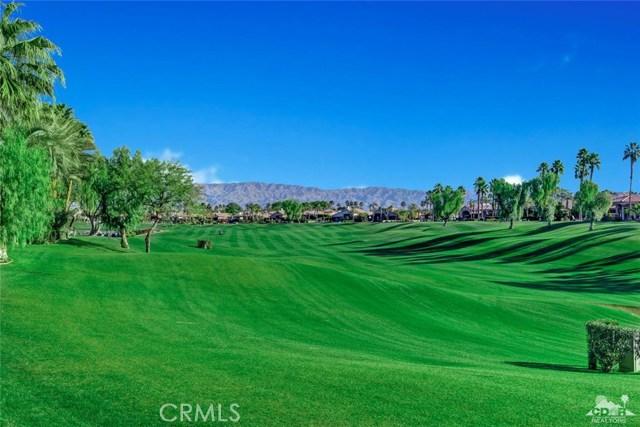 49170 Rancho Pointe, La Quinta CA: http://media.crmls.org/medias/5b82fed7-665e-4b26-a0c5-2523e20d19e9.jpg