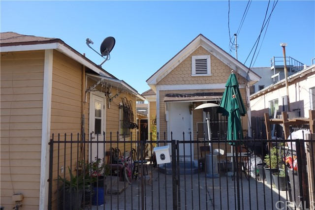 531 N Virginia Ct, Long Beach, CA 90802 Photo 3