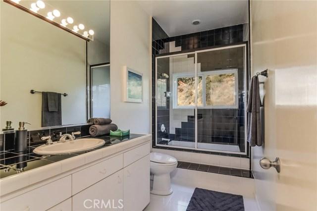 1388 Glen Oaks Boulevard Pasadena, CA 91105 - MLS #: PF17226056