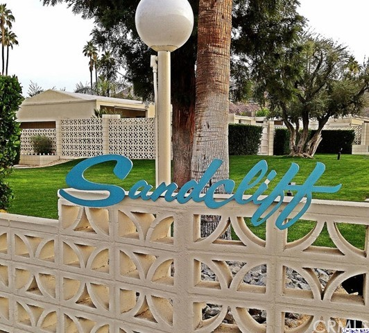 1855 Sandcliff Road, Palm Springs CA: http://media.crmls.org/medias/5b88f9ca-8426-4a8a-b4a9-05776c78d848.jpg