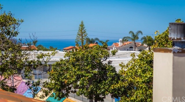 Single Family Home for Sale at 618 Maria Avenue N Redondo Beach, California 90277 United States
