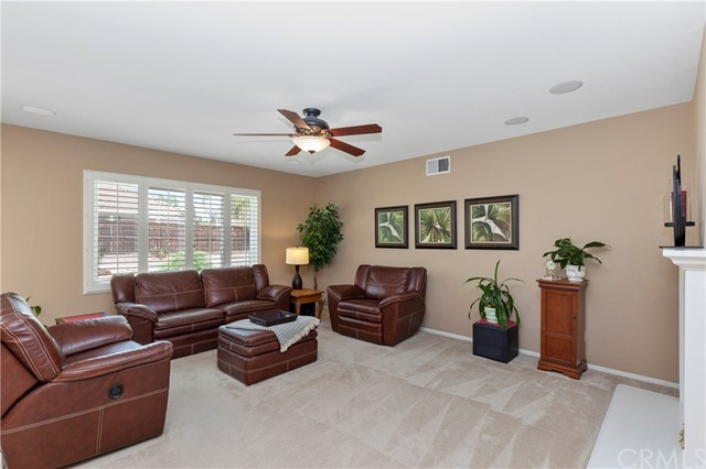33571 Honeysuckle Lane, Murrieta CA: http://media.crmls.org/medias/5b93e47e-0912-4c21-ad70-3338363a9da3.jpg