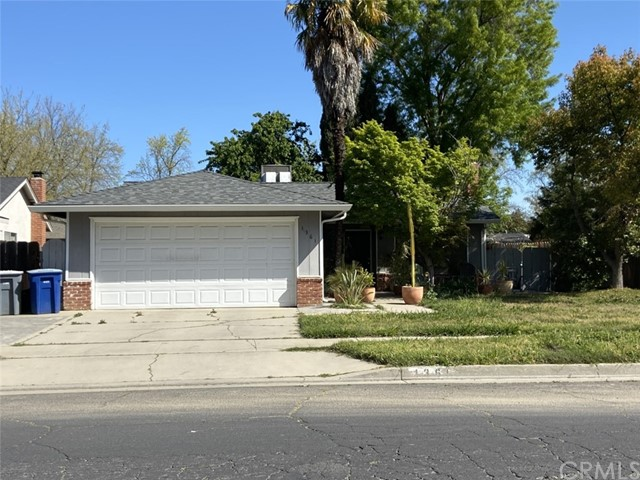 Detail Gallery Image 1 of 1 For 1361 E 27th St, Merced,  CA 95340 - 3 Beds | 2 Baths