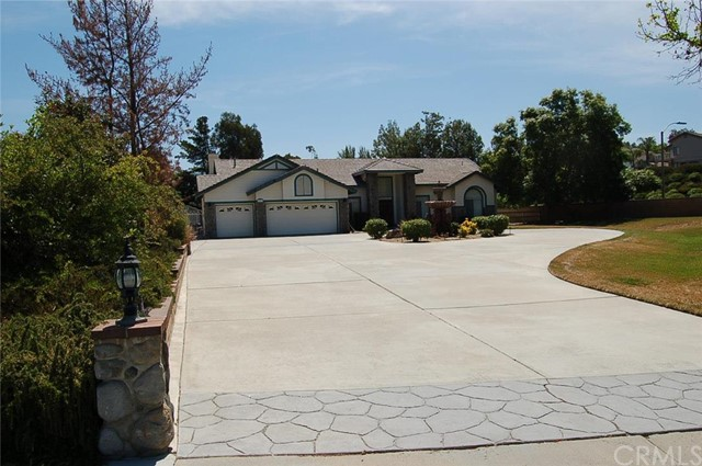 42014 Avenida Sonoma Temecula, CA 92591 is listed for sale as MLS Listing CV16123466