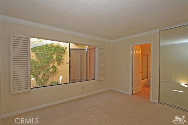 163 Madrid Avenue, Palm Desert CA: http://media.crmls.org/medias/5bac2d2e-1b46-4d78-bcb4-8d76733d65d7.jpg