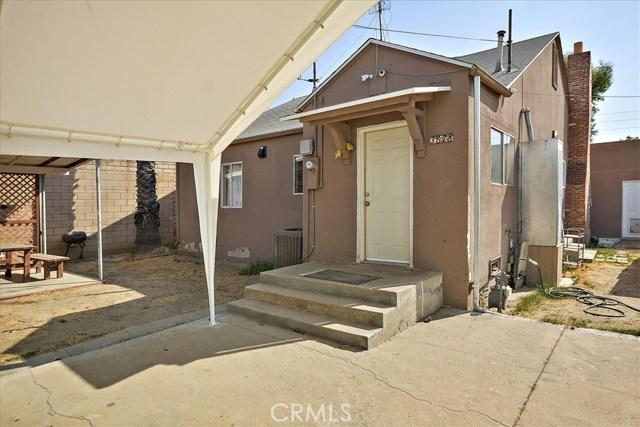 3878 Skofstad Street, Riverside CA: http://media.crmls.org/medias/5bca4622-bd70-4c62-986e-2d6c4f6a6b71.jpg