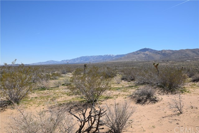 0 Loma Vista Road, Apple Valley CA: http://media.crmls.org/medias/5bd48b73-c652-4665-88b8-9b581abc682d.jpg