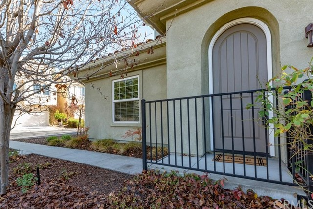 Detail Gallery Image 1 of 1 For 9400 Casa Bella Ct, Atascadero,  CA 93422 - 3 Beds | 2/1 Baths