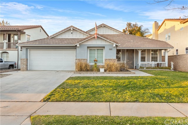 Detail Gallery Image 1 of 1 For 33568 Warwick Hills Rd, Yucaipa,  CA 92399 - 5 Beds | 2 Baths