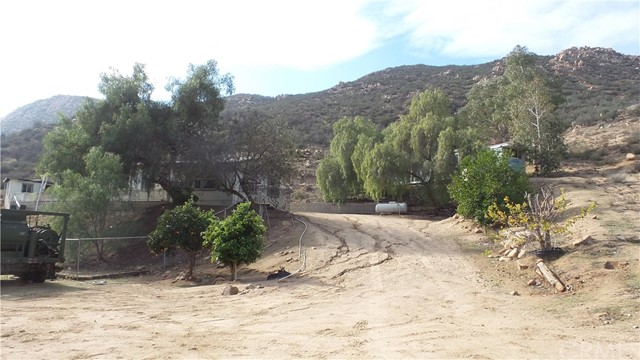25760 EL TORO ROAD, LAKE ELSINORE, CA 92532  Photo 3