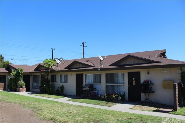 317 W Guinida Ln, Anaheim, CA 92805 Photo 2