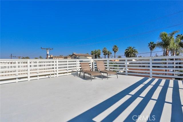 210 12th Street, Huntington Beach CA: http://media.crmls.org/medias/5bf127da-6b27-4e76-8ae7-a3da6736c31d.jpg