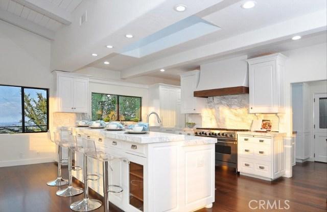 904 Via Nogales, Palos Verdes Estates CA: http://media.crmls.org/medias/5bf18837-8a84-4dd4-b9b3-f9f9c9917710.jpg