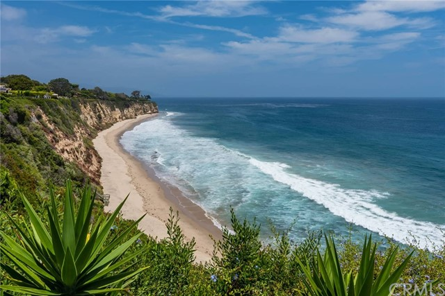 29130 Cliffside Dr, Malibu, CA 90265