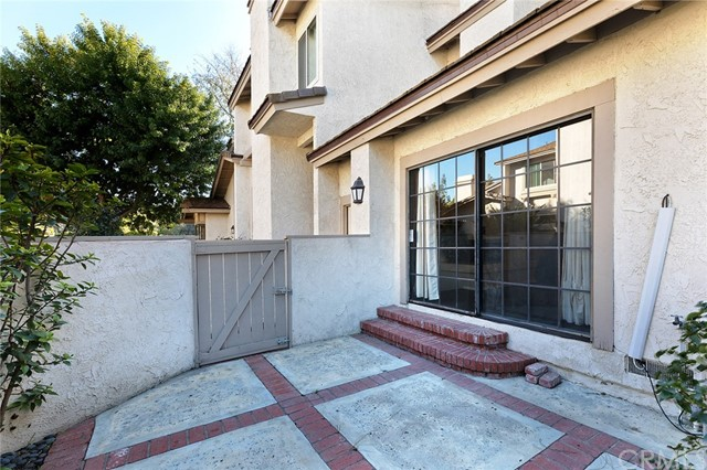 7 Moon Dust, Irvine, CA 92603 Photo 2