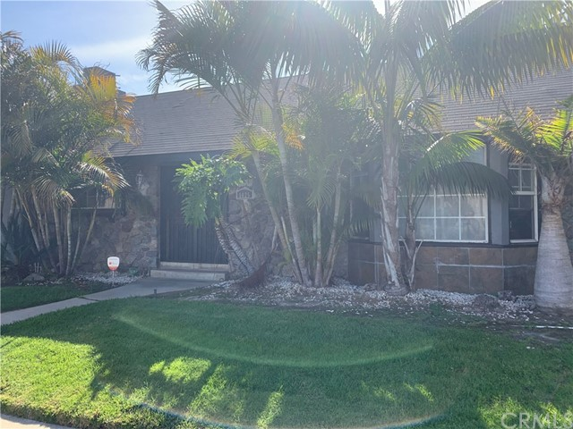 6025 S Holt Ave, Ladera Heights, CA 90056 photo 2