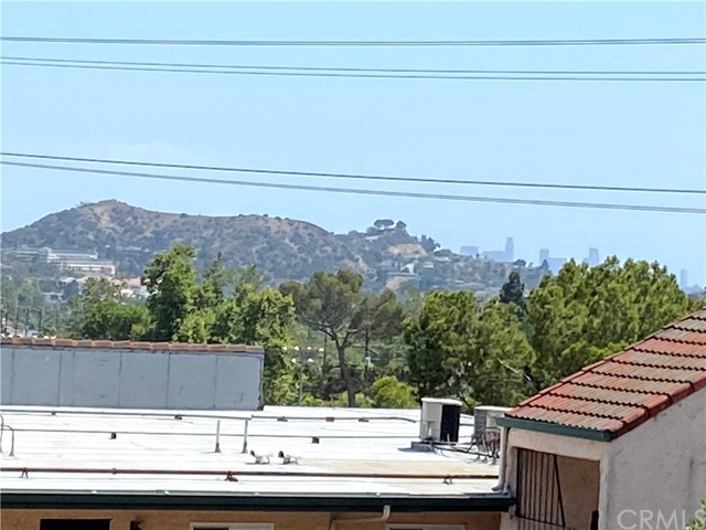 2940 N Verdugo Road, Glendale CA: http://media.crmls.org/medias/5c0ee961-8b44-48cf-b7ef-c7bd6f101dd6.jpg