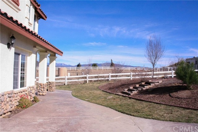 42160 Indian Hill Trail, Aguanga CA: http://media.crmls.org/medias/5c1c2be5-aedc-4966-b100-45f396fefc5d.jpg