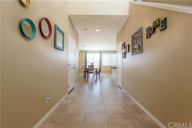 7832 Lemon Pepper Avenue, Fontana CA: http://media.crmls.org/medias/5c2c5713-608d-4c57-89b8-be4e46611661.jpg