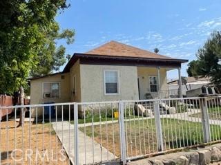 963 W 3rd Street, Pomona CA: http://media.crmls.org/medias/5c3c0367-fe10-44dd-80f6-26e7898b2508.jpg