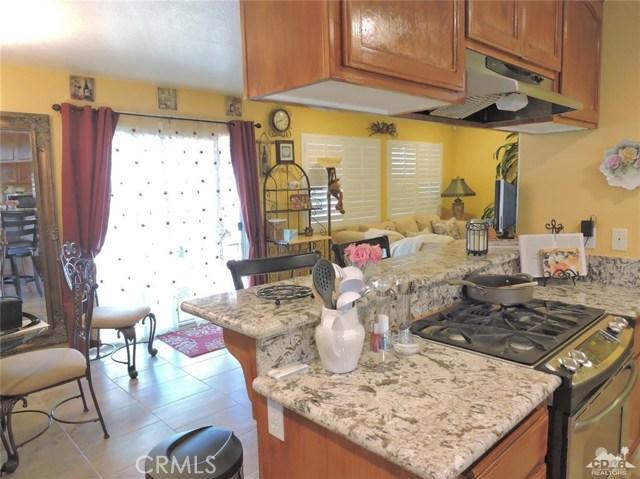 57130 Selecta Avenue, Yucca Valley CA: http://media.crmls.org/medias/5c3d7220-b593-47a0-a8e6-185def3c0a91.jpg