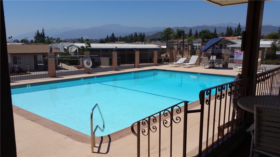 1245 W Cienega Avenue, San Dimas CA: http://media.crmls.org/medias/5c498ca8-ce59-4220-ab6e-6504de895b13.jpg