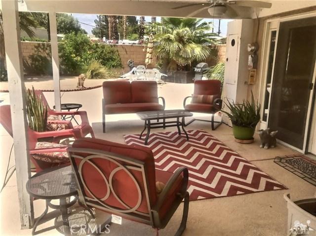 321 Desert Willow Circle, Palm Springs CA: http://media.crmls.org/medias/5c4d27f3-b1d4-4d8a-97a5-3975000de194.jpg
