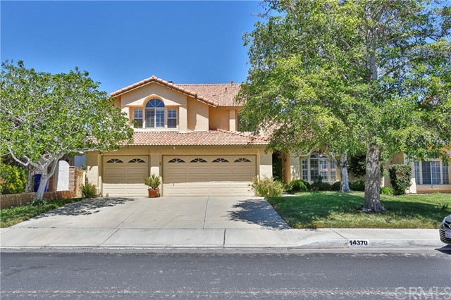 Detail Gallery Image 1 of 1 For 14370 La Crescenta Ave, Victorville,  CA 92392 - 5 Beds | 3 Baths