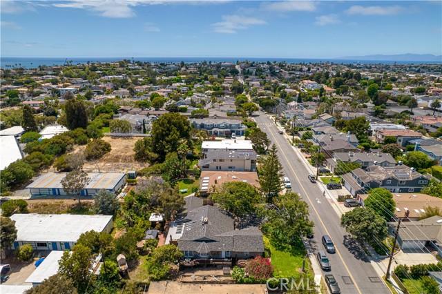 1430 2nd Street, Manhattan Beach CA: http://media.crmls.org/medias/5c6e5e95-8334-40dc-8f87-89e23d8e31a5.jpg