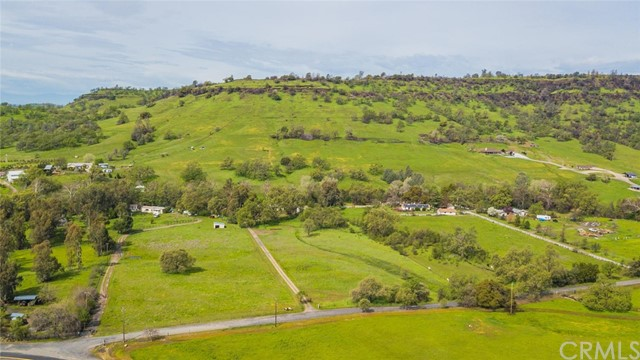 3179 Dry Creek Road, Butte Valley CA: http://media.crmls.org/medias/5c6e752f-6895-4a0a-bc62-d7fb34c3817f.jpg