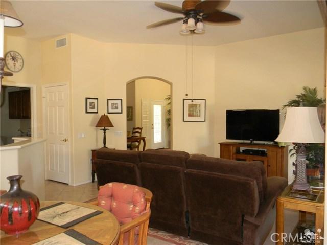 78260 Willowrich Drive, Palm Desert CA: http://media.crmls.org/medias/5c6ff5a2-28fc-44ca-bc98-692fcd4abec0.jpg