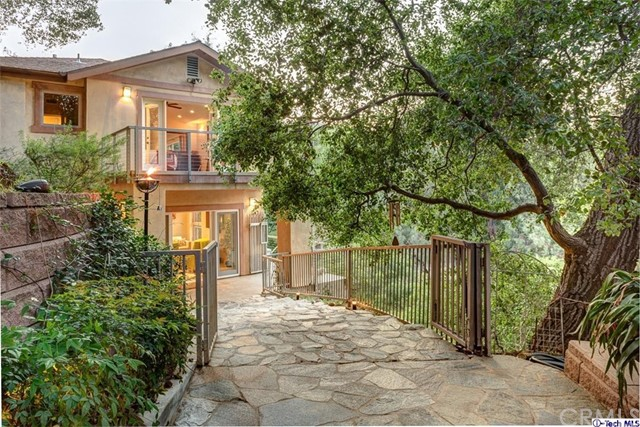 Single Family Home for Sale at 1008 Linda Glen Drive Pasadena, California 91105 United States