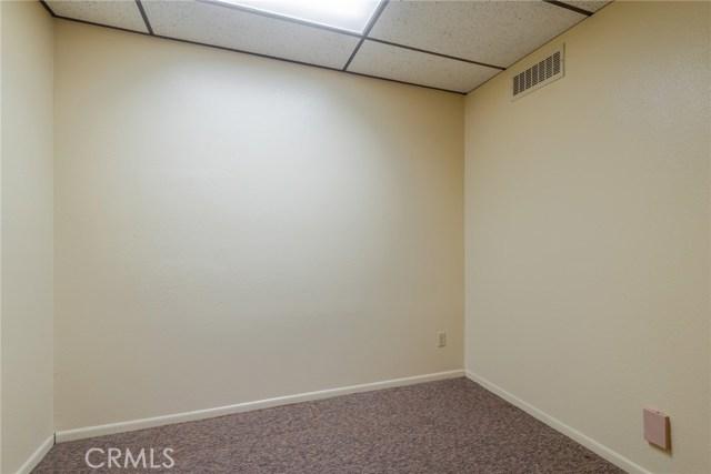 133 N Buena Vista Street, Hemet CA: http://media.crmls.org/medias/5c856bc8-7778-429e-9b1e-5206e605f544.jpg