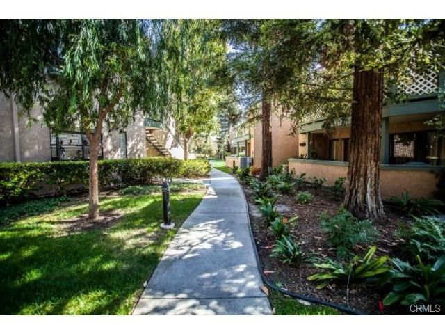 3573 W Greentree Cr, Anaheim, CA 92804 Photo 17