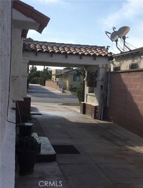 7806 Crenshaw Boulevard, Los Angeles CA: http://media.crmls.org/medias/5ca62d35-3868-4153-87d8-3ec8b04d62e8.jpg