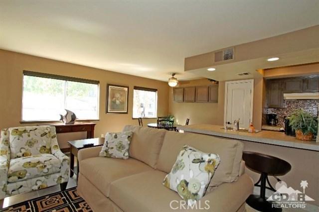 72664 Eagle Road, Palm Desert CA: http://media.crmls.org/medias/5caf1b39-7c85-461f-b9ff-e6ffb3ead70a.jpg