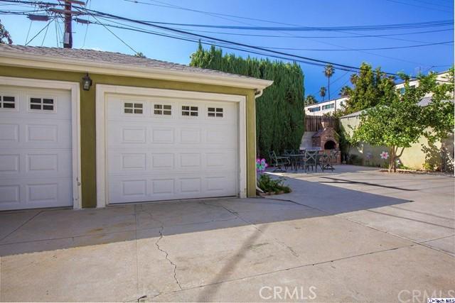 819 N Alexandria Avenue, Los Angeles CA: http://media.crmls.org/medias/5cb6de6b-119a-463e-a5e1-74f43cbac6c5.jpg
