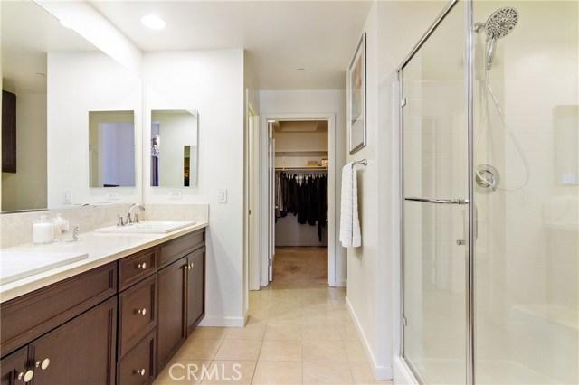 513 Rockefeller, Irvine CA: http://media.crmls.org/medias/5cbb5284-e1dc-4fd0-b44b-55f5ad8076c0.jpg