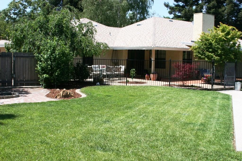 2080 Bidwell Avenue, Chico CA: http://media.crmls.org/medias/5cca2d37-c351-4736-b861-c58cc3223ab7.jpg