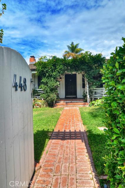 448 Myrtle Street, Laguna Beach CA: http://media.crmls.org/medias/5cd02673-b8cd-45f1-8fb4-bad7260e6662.jpg