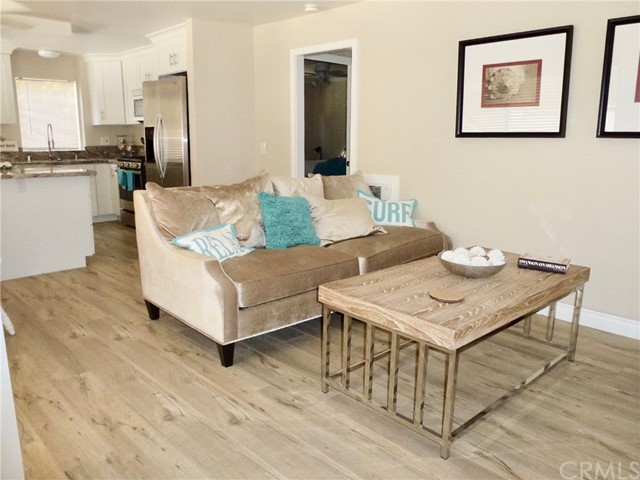 350 Loma Terrace Unit D Laguna Beach, CA 92651 - MLS #: LG18210138