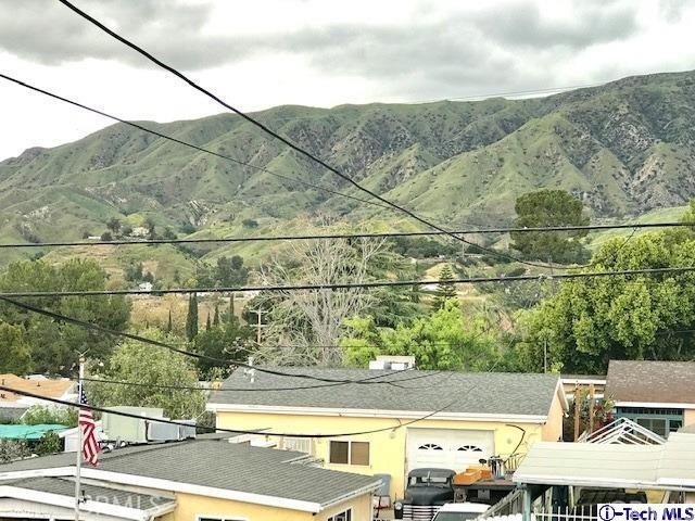 8254 Wentworth Street, Sunland CA: http://media.crmls.org/medias/5ceefc34-f642-4e8f-aea4-bd7f10d1522c.jpg