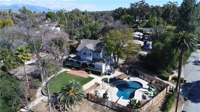 1311 S Center Street, Redlands CA: http://media.crmls.org/medias/5cf34fd9-2293-4878-a5f0-4179fb90e72d.jpg