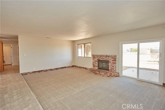 8739 Hickory Avenue,Hesperia,CA 92345, USA