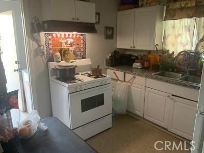 465 Cabrera Avenue, San Bernardino CA: http://media.crmls.org/medias/5cfbab80-202a-4331-a4a5-213e46066b98.jpg