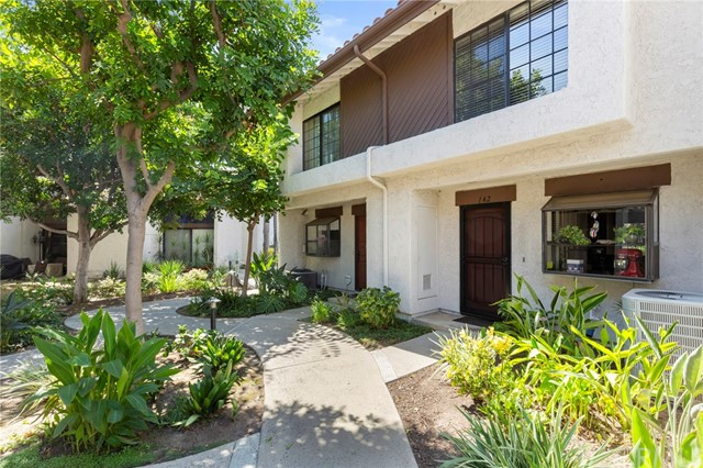 Detail Gallery Image 1 of 1 For 142 Kauai Ln, Placentia, CA 92870 - 2 Beds | 1/1 Baths